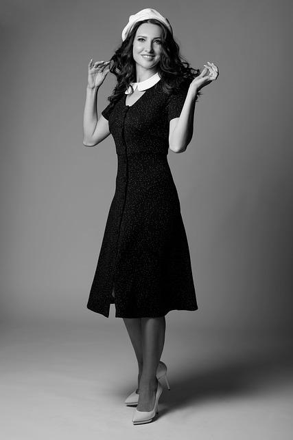 jaki kolor rajstop do czarnej sukienki