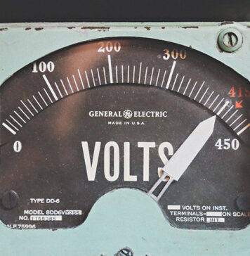 Hurtownia elektryczna do firmowych zakupów- w jaki sposób dokonać wyboru